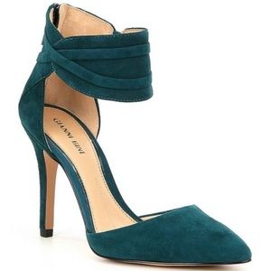 Gorgeous teal blue Gianni Bini suede heels